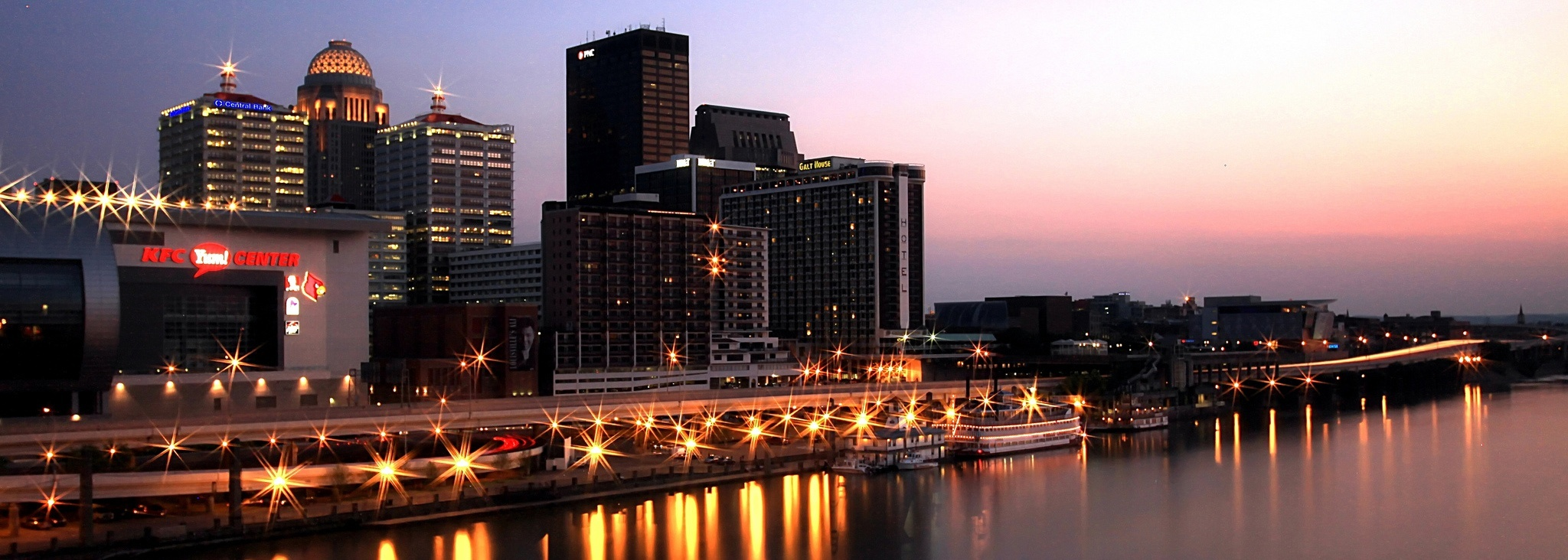 Downtown_Louisville_at_Dusk.jpg